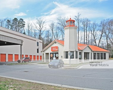 Storage Units for Rent available at 3743 Battleground Avenue, Greensboro, NC 27410 Photo Gallery 1