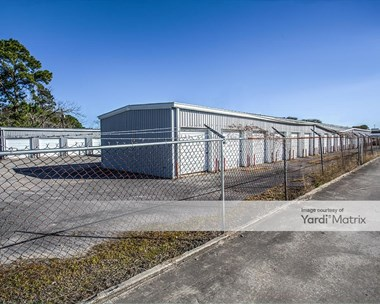 Storage Units for Rent available at 3045 Cedar Drive, La Marque, TX 77568 Photo Gallery 1