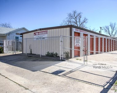 Storage Units for Rent available at 4420 Bernado De Galvez, Galveston, TX 77550 Photo Gallery 1