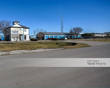 Storage Units for Rent available at 2915 North 23Rd Street, La Porte, TX 77571 Photo Gallery 1