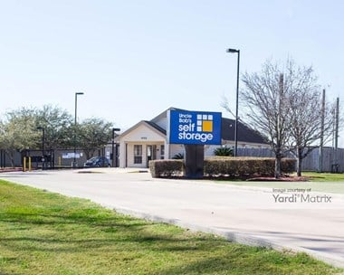Storage Units for Rent available at 4155 Fairway Plaza Drive, Pasadena, TX 77505 Photo Gallery 1