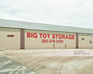 Storage Units for Rent available at 1548 North Daisy Drive, Genoa City, WI 53128 Photo Gallery 1