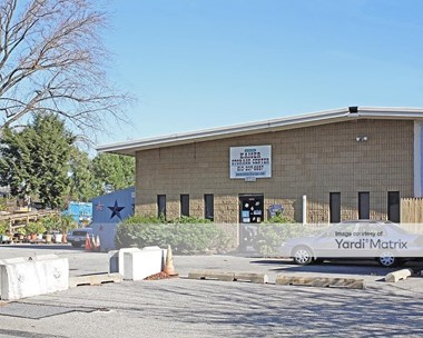 Storage Units for Rent available at 311 West Oak Lane, Glenolden, PA 19036 Photo Gallery 1