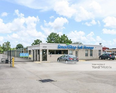 Storage Units for Rent available at 1671 Northpark Drive, Kingwood, TX 77339 Photo Gallery 1