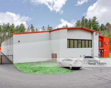 Storage Units for Rent available at 596 West Hollis Street, Nashua, NH 03062 Photo Gallery 1