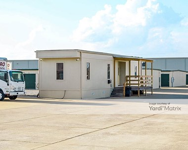 Storage Units for Rent available at 80 Metro Drive, Calera, AL 35040 Photo Gallery 1