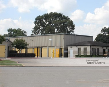 Storage Units for Rent available at 2410 East Main Street, League City, TX 77573 Photo Gallery 1