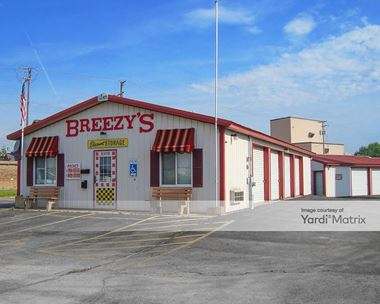 Storage Units for Rent available at 1515 Pleasant Street, DeKalb, IL 60115 Photo Gallery 1