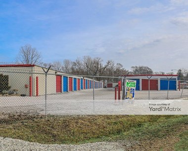 Storage Units for Rent available at 1100 West Rollins Road, Round Lake Heights, IL 60073 Photo Gallery 1