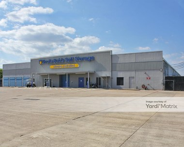 Storage Units for Rent available at 900 NASA Pkwy, Webster, TX 77598 Photo Gallery 1