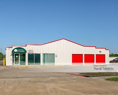 Storage Units for Rent available at 5035 Burke Road, Pasadena, TX 77504 Photo Gallery 1
