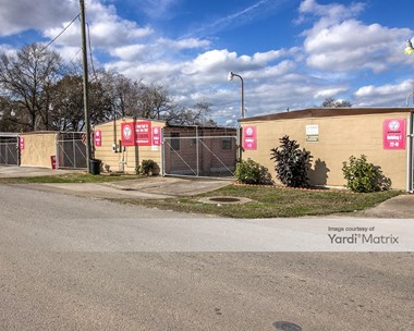 Storage Units for Rent available at 13827 Gainesville Street, Houston, TX 77015 Photo Gallery 1