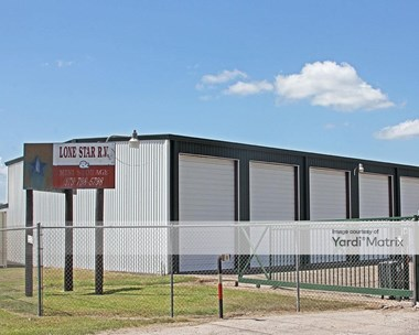 Storage Units for Rent available at 19814 Texas 36, Brazoria, TX 77422 Photo Gallery 1