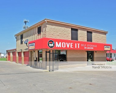 Storage Units for Rent available at 2225 County Road 129, Pearland, TX 77581 Photo Gallery 1