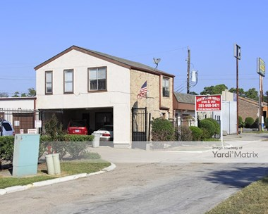 Storage Units for Rent available at 12245 Northwood Forest Drive, Houston, TX 77039 Photo Gallery 1