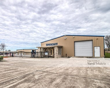 Storage Units for Rent available at 4500 North Main, Baytown, TX 77521 Photo Gallery 1