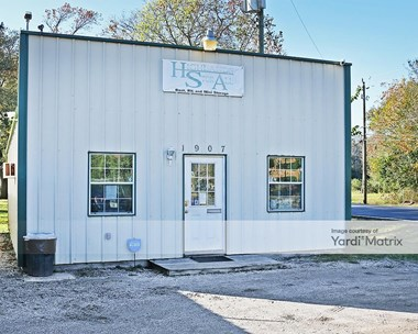 Storage Units for Rent available at 1907 North Main Street, Highlands, TX 77562 Photo Gallery 1