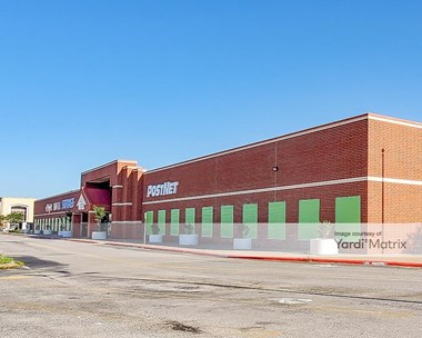 Storage Units for Rent available at 10000 Emmett F Lowry Expwy, Texas City, TX 77591 Photo Gallery 1