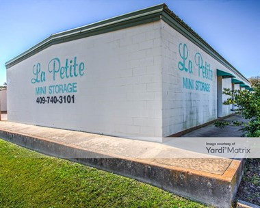 Storage Units for Rent available at 8501 Stewart Road, Galveston, TX 77554 Photo Gallery 1