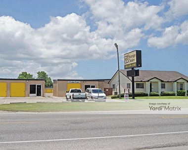 Storage Units for Rent available at 5741 FM 646 Road East, Dickinson, TX 77539 Photo Gallery 1