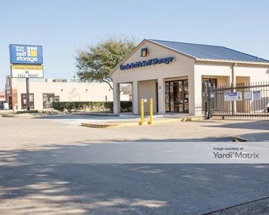Storage Units for Rent available at 3321 Center Street, Deer Park, TX 77536 Photo Gallery 1