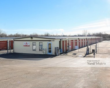 Storage Units for Rent available at 3305 16th Street, Zion, IL 60099 Photo Gallery 1