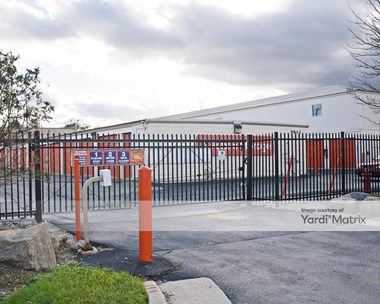 Storage Units for Rent available at 9810 South 27th Street, Oak Creek, WI 53154 Photo Gallery 1
