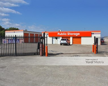 Storage Units for Rent available at 4500 Decker Drive, Baytown, TX 77520 Photo Gallery 1