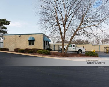 Storage Units for Rent available at 300 Sundown Road, South Elgin, IL 60177 Photo Gallery 1