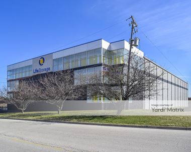 Storage Units for Rent available at 953 South State Route 83,  Elmhurst, IL 60126 Photo Gallery 1