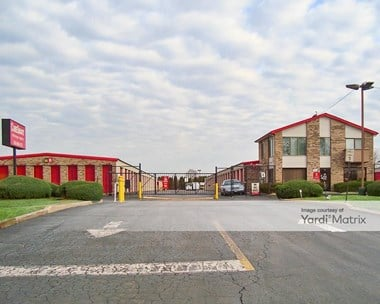 Storage Units for Rent available at 900 East Devon Avenue, Bartlett, IL 60103 Photo Gallery 1