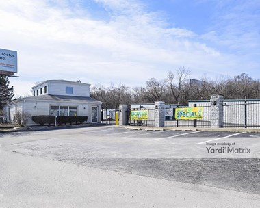 Storage Units for Rent available at 0 S 680 Route 83, Oakbrook Terrace, IL 60181 Photo Gallery 1
