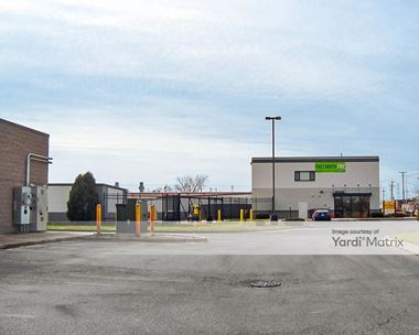 Storage Units for Rent available at 1812 North Larkin Avenue, Crest Hill, IL 60403 Photo Gallery 1