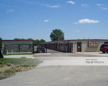 Storage Units for Rent available at 15935 South Cedar Road, Homer Glen, IL 60491 Photo Gallery 1