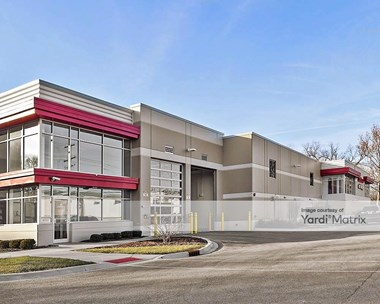 Storage Units for Rent available at 7910 Lemont Road, Downers Grove, IL 60516 Photo Gallery 1
