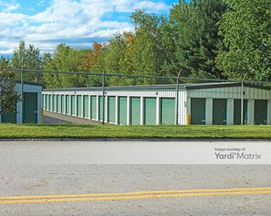 Storage Units for Rent available at 15 Northwest Blvd, Nashua, NH 03063 Photo Gallery 1