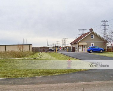 Storage Units for Rent available at 21827 South Schoolhouse Road, New Lenox, IL 60451 Photo Gallery 1