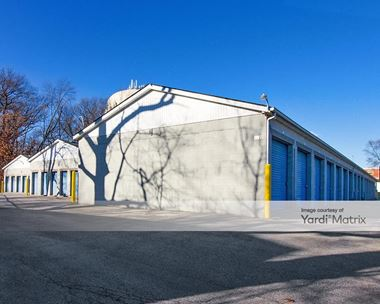 Storage Units for Rent available at 8920 Kleinman Road, Highland, IN 46322 Photo Gallery 1