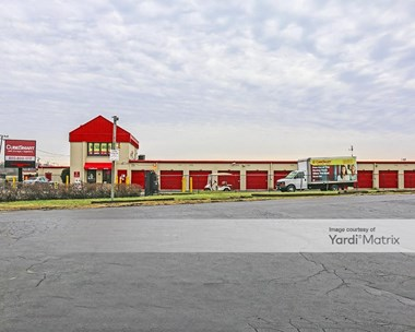 Storage Units for Rent available at 1004 South Milwaukee Road, Wheeling, IL 60090 Photo Gallery 1