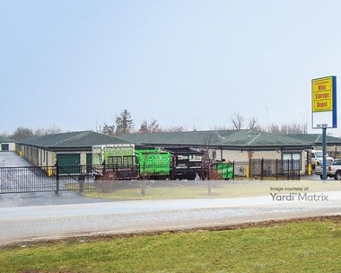 Storage Units for Rent available at 4220 East US 30, Merrillville, IN 46410 Photo Gallery 1