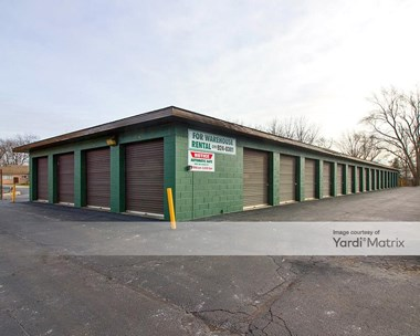Storage Units for Rent available at 9521 Indianapolis Blvd, Highland, IN 46322 Photo Gallery 1