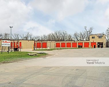 Storage Units for Rent available at 1600 Kenneth Drive, Mount Prospect, IL 60056 Photo Gallery 1