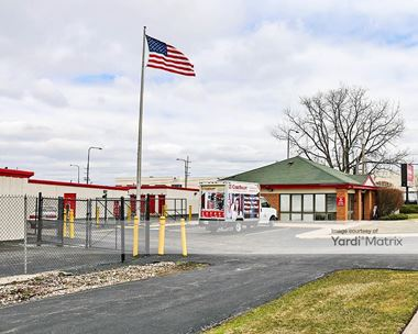 Storage Units for Rent available at 1750 Busse Road, Elk Grove Village, IL 60007 Photo Gallery 1