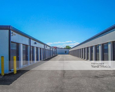 Storage Units for Rent available at 647 Teckler Blvd, Crystal Lake, IL 60014 Photo Gallery 1
