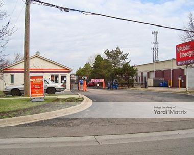 Storage Units for Rent available at 1550 Old Church Road, Streamwood, IL 60107 Photo Gallery 1