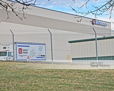 Storage Units for Rent available at 3850 Vogel Road, Arnold, MO 63010 Photo Gallery 1