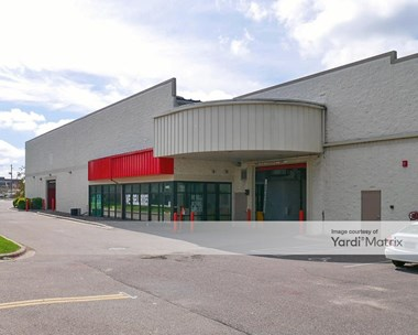 Storage Units for Rent available at 4425 West 77Th Street, Edina, MN 55435 Photo Gallery 1