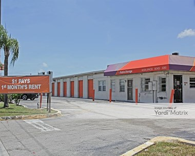 Storage Units for Rent available at 3080 Pembroke Road, Hallandale, FL 33009 Photo Gallery 1