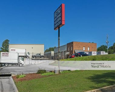 Storage Units for Rent available at 7036 Meadowlark Drive, Birmingham, AL 35242 Photo Gallery 1