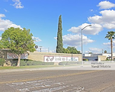 Storage Units for Rent available at 3100 Larson Lane, Bakersfield, CA 93304 Photo Gallery 1